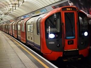Следят пътниците в лондонското метро чрез... телефоните им