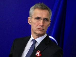 Столтенберг: НАТО е готов да приеме Македония