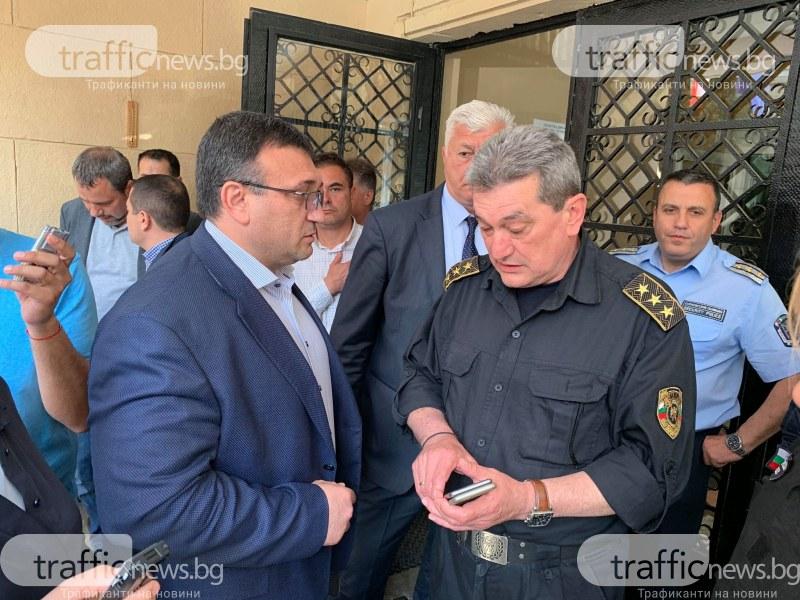 Министър Маринов в Пловдив: Положението снощи беше критично, още половин метър вода и оставахме без влакове