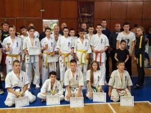 Младите каратеки на Тракия с 15 медала от международен турнир