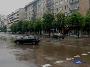 Без драми в София след пороите, в Суходол и Бояна още чакат тока