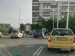 Лека катастрофа затруднява движението до Панаира в Пловдив