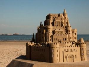 17-метров пясъчен замък счупи световен рекорд