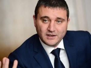 Горанов се напъна: Можем да платим 2 млрд. лева накуп за Ф-16