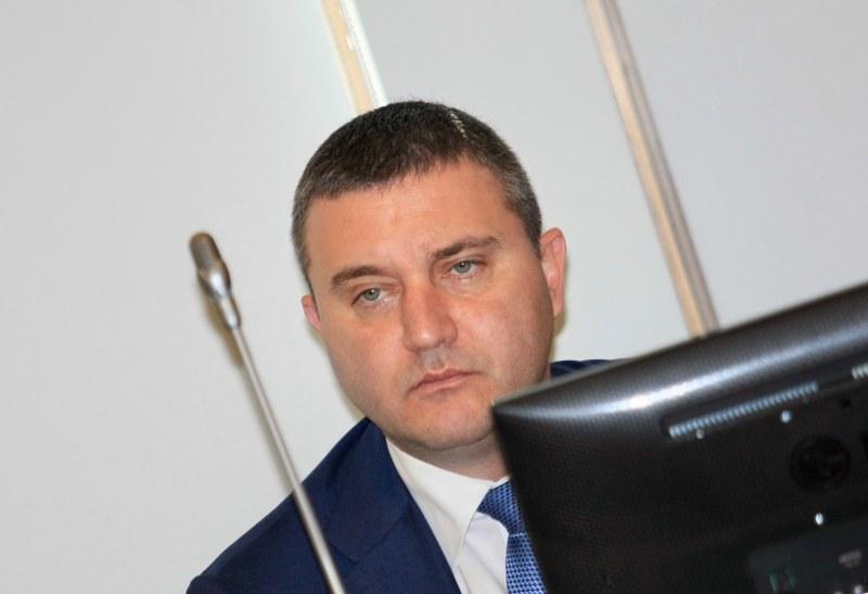 Горанов: Ако от БСП мислят, че 1 лев субсидия е малко, да кажат колко им трябват