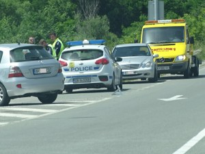 Полицай на мотор пострада при катастрофа край Кочериново