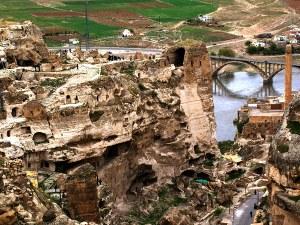 Древен град на река Тигър изчезва във водата! Турция го потапя