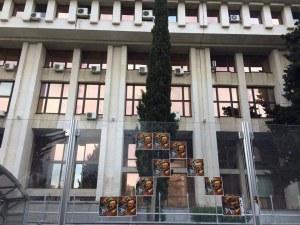 Спецпрокурори ще разследват плакатите на Хитлер в Бургас