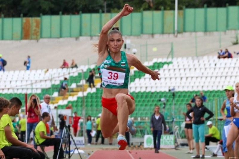 Блестяща Габи Петрова със злато и квота за световното