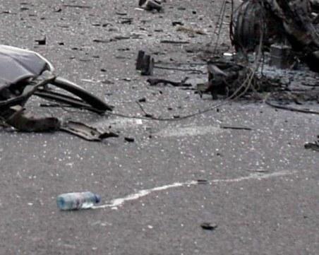 Трима млади мъже загинаха на пътя. БМВ-то им се удари в бус край Неделино