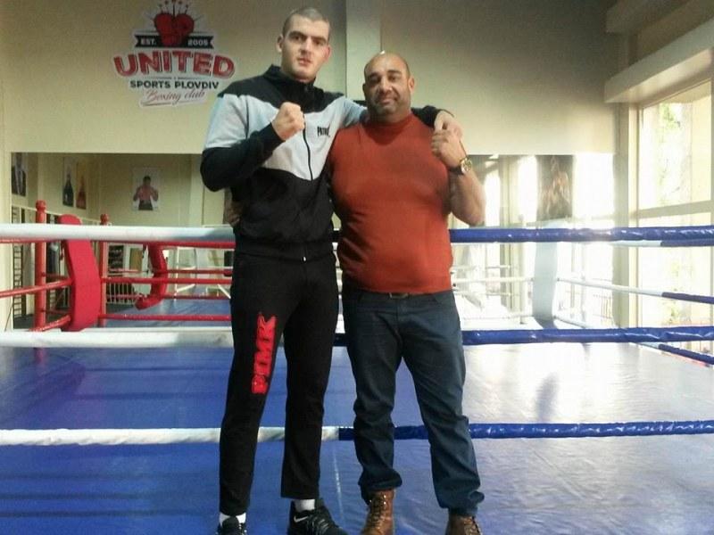 Пловдивски талант в бокса стъпва на профи ринга - тренира със световен шампион