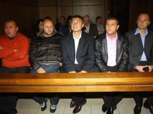 Съдът решава за рестарт на делото за полицаите, осъдени за Чората