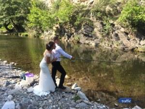 Младоженец си