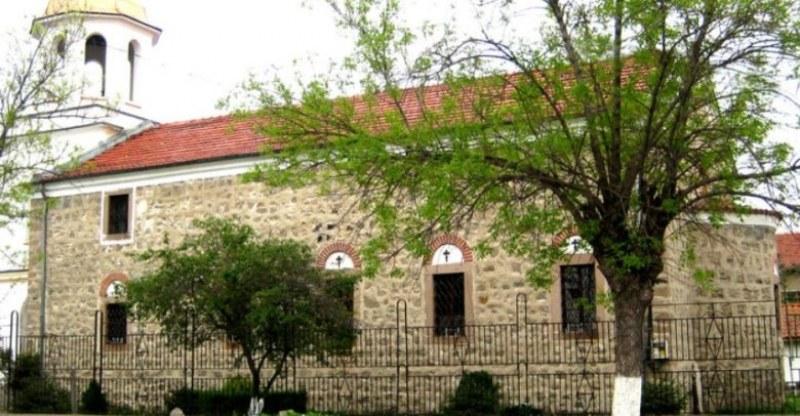 """Президентът Радев ще посети село Труд за празника на храма """"Света Троица"""