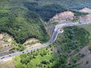 Колона, дълга 7 км, се изви на границата с Гърция, хора започнаха да припадат