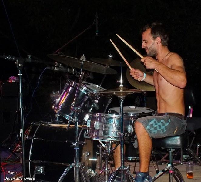 Музикант от пловдивска банда е загиналият пешеходец при тежката катастрофа в центъра на града