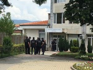 Бизнесмен арестуван заедно с кмета на Костенец