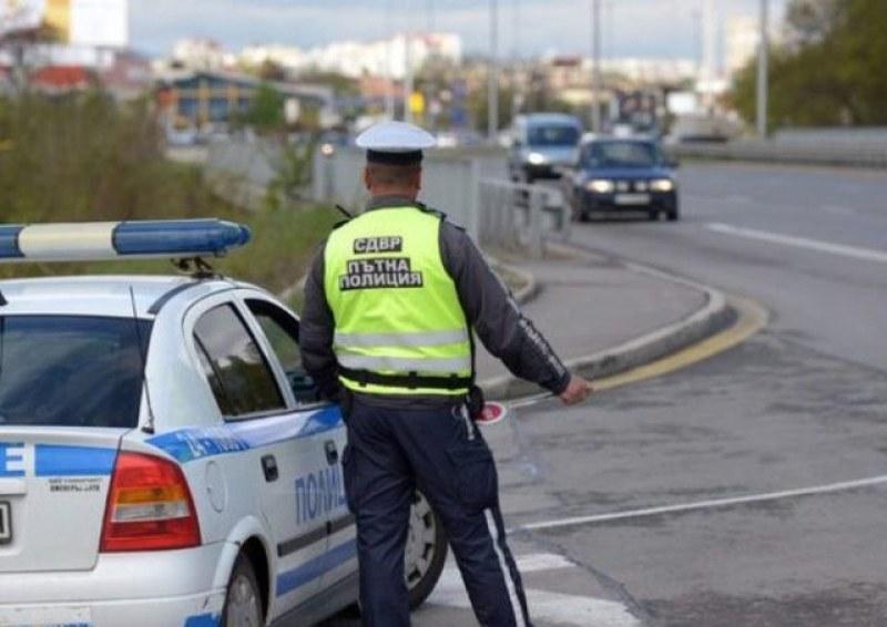 От утре! Пътни полицаи на местата със засилен трафик, следят ни!