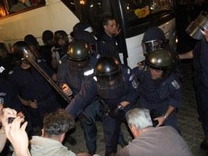 30 бона обезщетение за жандармериста с палката от белия автобус