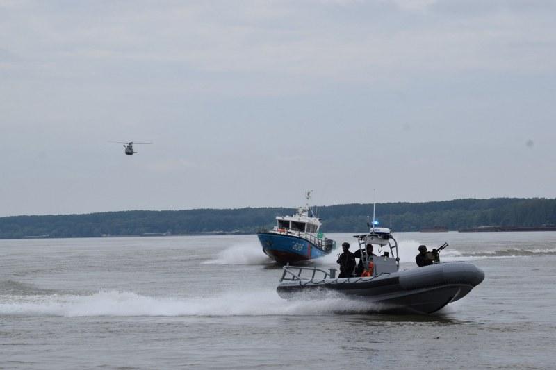 16-годишен изчезна във водите на Дунав край Силистра. Издирват го!