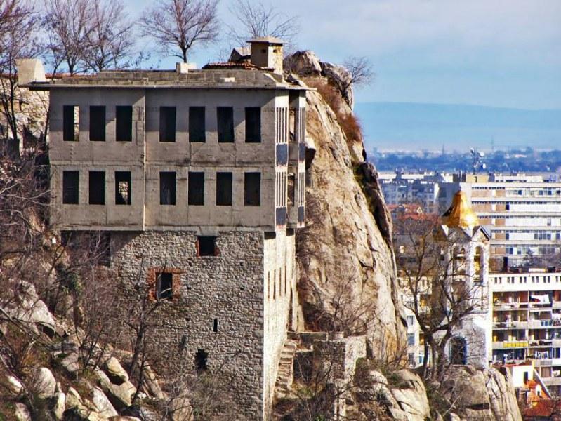 Георги Гергов дари на Митрополията частта си от емблематична къща на Джамбаз тепе