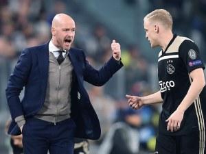 Аякс задържа треньора, превърнал тима в сензация в Шампионската лига