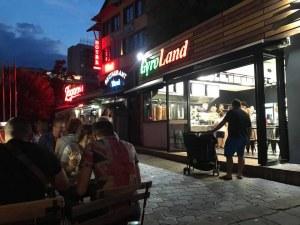 Заведението за гироси в Пловдив - хванато с разлика в касата, НАП му заби акт