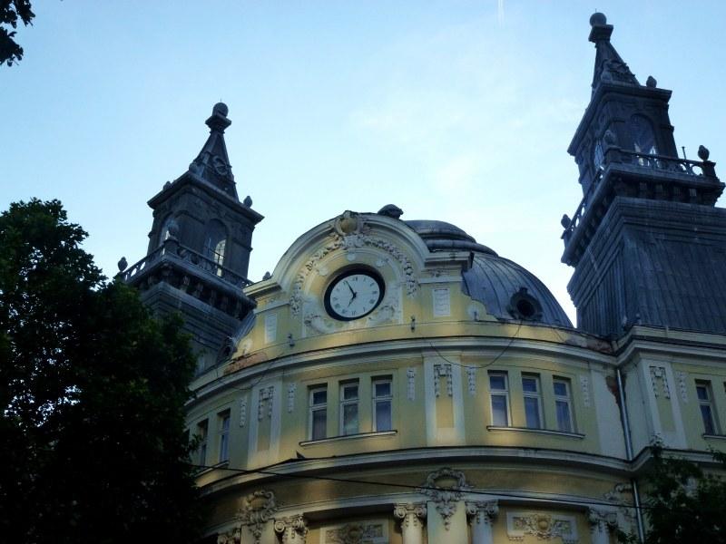 Часовникът с двете кули в София – някога Окръжна палата, днес земеделско министерство