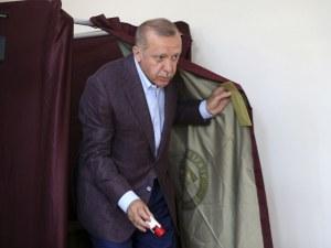 Ердоган поздрави новия кмет на Истанбул, но само в социалните мрежи