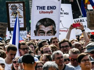 Мегапротест в Чехия: 250 000 срещу