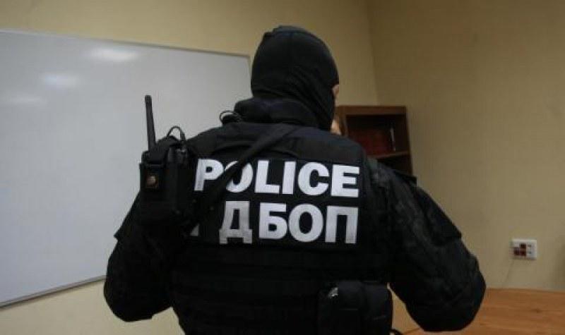 Прокурори, ГДБОП и ДАНС разследват най-голямата банда за трафик на мигранти