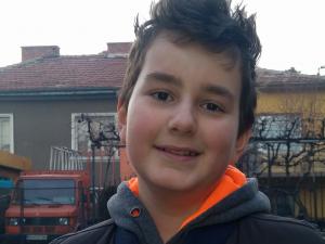 14-годишният Теодор се бори с агресивен рак на костите! Нуждае се от €300 000, за да живее