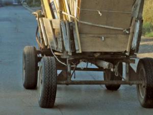 Кола се заби в каруца във Видинско! 16-годишно момиче е ранено