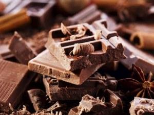 Неизвестен любител на сладкото задигна... 840 шоколада