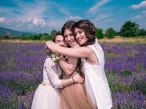 Три сестри от Пловдив изнасят концерт в памет на баща им, загинал наскоро