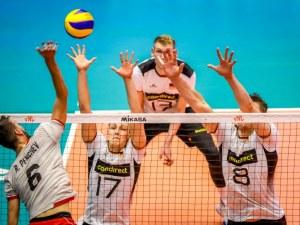 Волейболистите прекъснаха черна серия след страхотен обрат