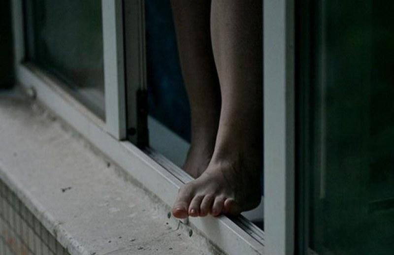 12-годишно дете с аутизъм скочи от 8-мия етаж в Пловдив, по чудо е оцеляло