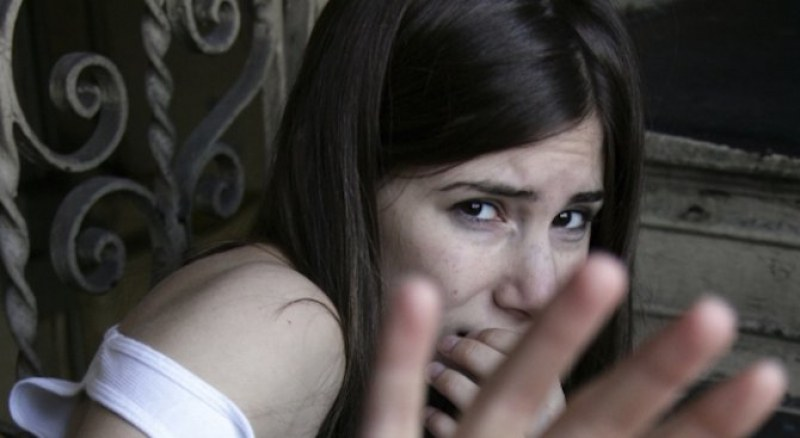 Четирима опитаха да отвлекат момиче в Плевенско, счупили главата на неин роднина