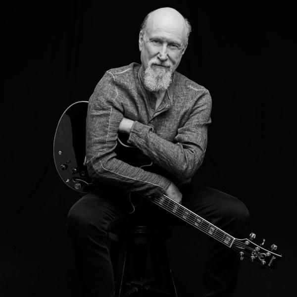 Феноменално: Джаз иконата Джон Скофийлд свири в Пловдив