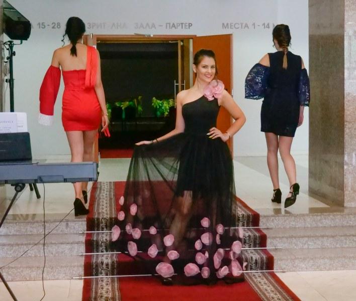 Младите дизайнери от АМТИИ превзеха Дома на културата в Пловдив