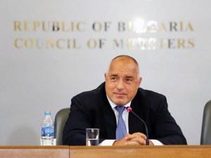 Борисов подкара електрокар, посети Икономическата зона до Божурище
