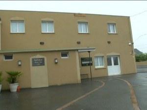 Двама ранени при стрелба край джамия във Франция