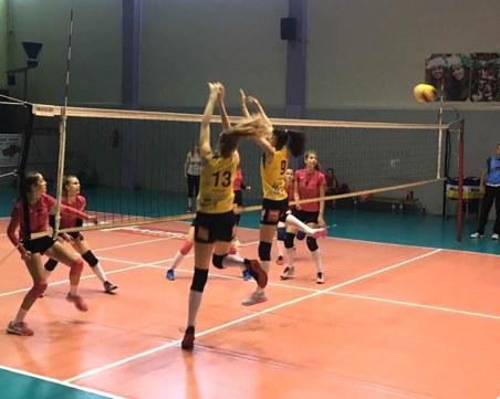 Девойките на Марица продължават без загуба на финалите
