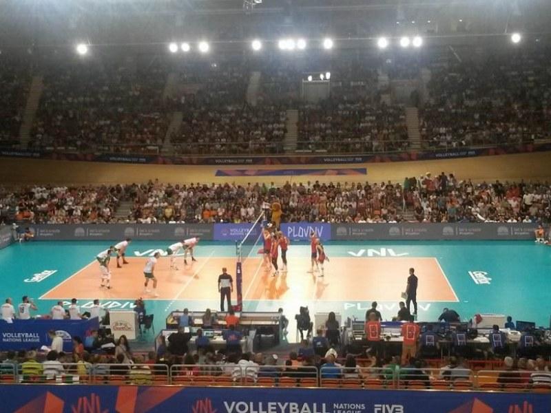 Рекорд! 6000 напълниха Колодрума за волейболните национали