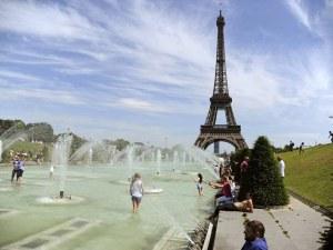 Живакът в Париж стигна 42 градуса! Още по-големи жеги удрят Франция днес