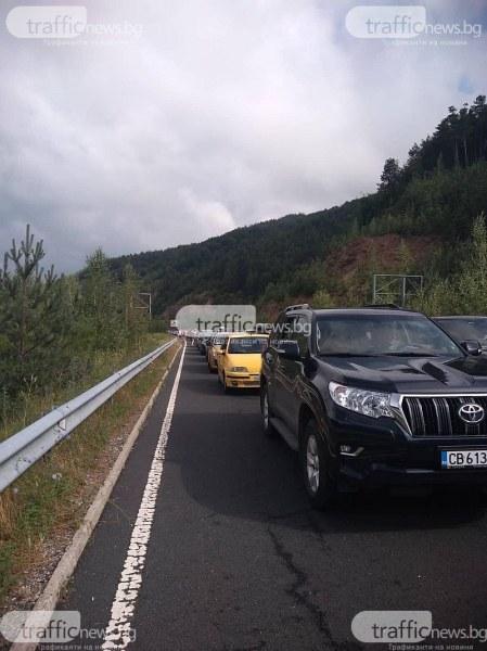 Колко е натоварен трафикът на границата с Гърция? Досега са минали над 10 000 коли