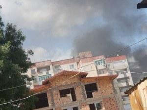 За пореден път! Гуми горят в Столипиново, черен дим се носи над града