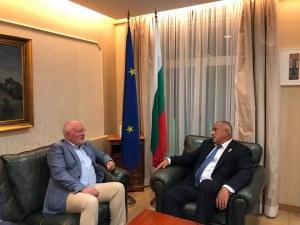 Кандидат за шеф на Еврокомисията на крака при Борисов по тъмно