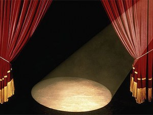 Сръбски театър изнася спектакъл на брега на Марица в Пловдив