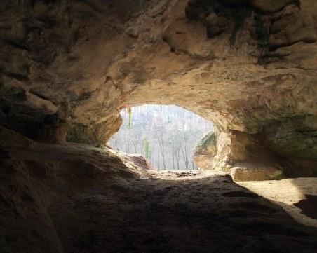 Откриха мистериозна пещера с мраморни колони край Арбанаси